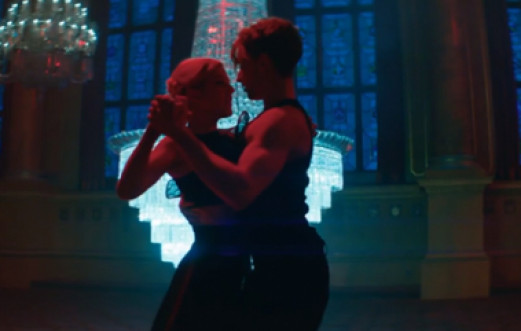 NEW VIDEO: ELLIE GOULDING LOVE ME LIKE YOU DO