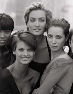 CINDY CRAWFORD Making a Drama Series about Supermodels!