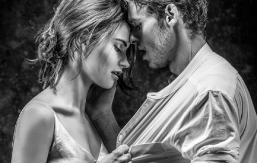 LILY JAMES & RICHARD MADDEN as Romeo & Juliet