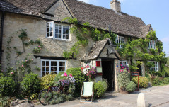 REVIEW: OLD SWAN & MINSTER MILL HOTEL, OXFORDSHIRE