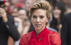SCARLETT JOHANSSON & KATY PERRY PROTEST WOMEN'S RIGHTS