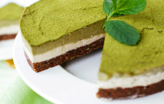 BLOOM MATCHA TEA MINT TART