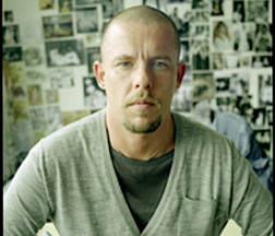 <b>Alexander McQueen Di...</b>