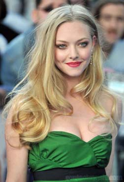 <b>Amanda Seyfried...</b>