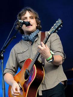 <b>Starsailor are back...</b>