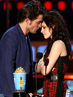 Rob Pattinson & kristen Kiss