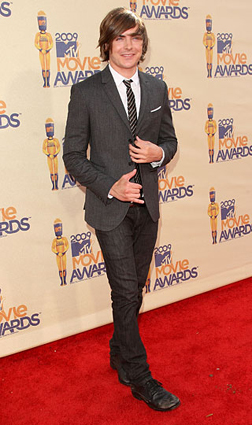 Zac Efron on the Red Carpet at the MTV Movie Awards
