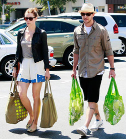 Justin & Jessica doing their weekly shop