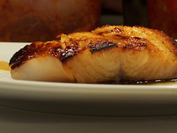 Try the fresh fish dishes at Ozer
