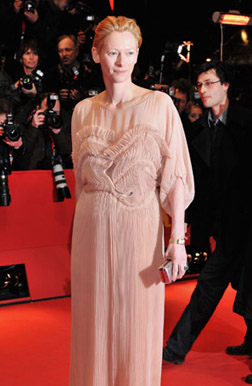 <b>Tilda Swinton the Ne...</b>