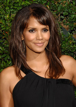 Halle Berry oozes Hollywood glamour