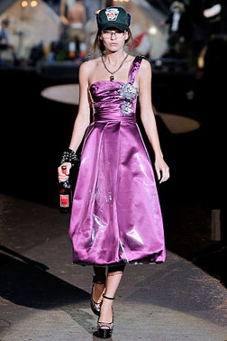 <b>Milan Fashion Week: ...</b>