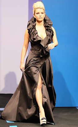 Jessica Simpson on the Catwalk in Paris