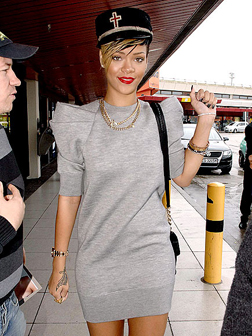 <b>All Obey Rihanna...</b>