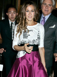 <b>Celebs Hit Fashion's...</b>