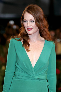 <b>Julianne Moore...</b>
