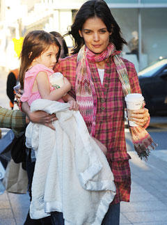Katie Holmes & Suri Cruise Relax in Boston