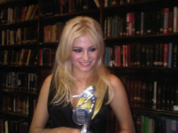 Pixie Lott with her award