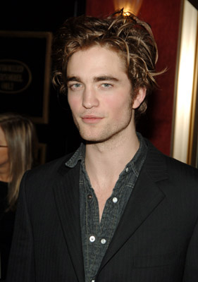 <b>Robert Pattinson Not...</b>