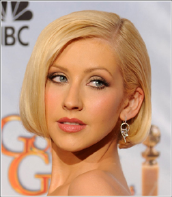 Get Christina Aguilera's Golden Globe Look