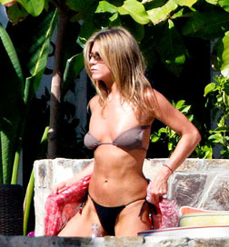 Jennifer Aniston in Mexico