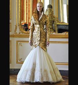 <b>Alexander McQueen's ...</b>