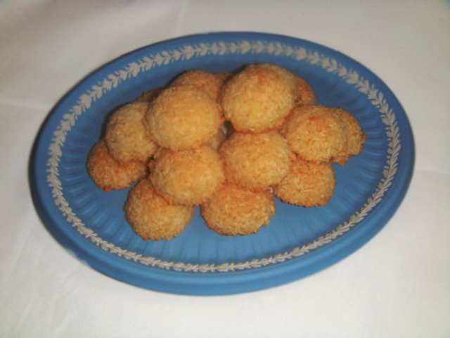 <b>Miniature Coconut an...</b>