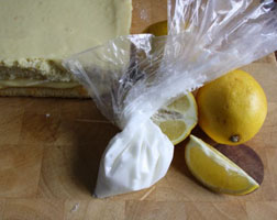 <b>Tangy Lemon Drizzle ...</b>