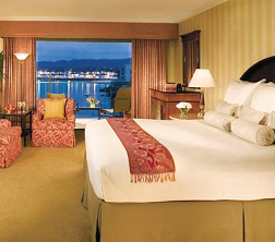 Monterey Plaza Hotel - Bedrooms