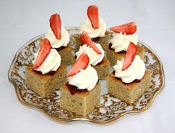 <b>TCIF: Wimbledon Cake...</b>