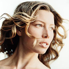 <b>Jessica Biel...</b>