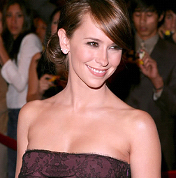 Jennifer Love-Hewitt - Pisces