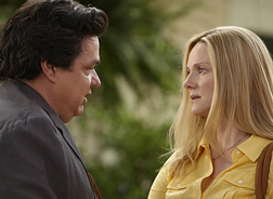 Oliver Platt and Laura Linney in The Big C