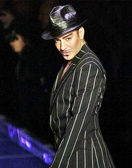 <b>Video: Galliano's Ra...</b>