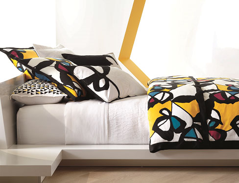 <b>In Bed With DVF...</b>