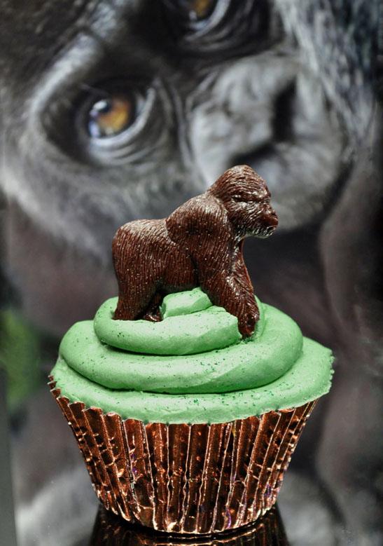 <b>Gorilla Cupcakes...</b>