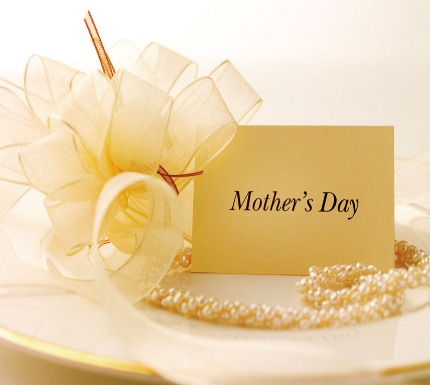 <b>Mother's Day Treats!...</b>