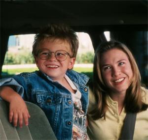 Jonathon Lipnicki and Renee Zellweger in Jerry Maguire