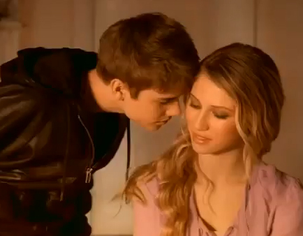 <b>Bieber's Perfume Com...</b>
