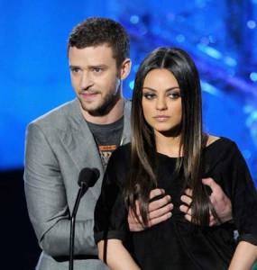Justin Timberlake gropes Mila Kunis onstage