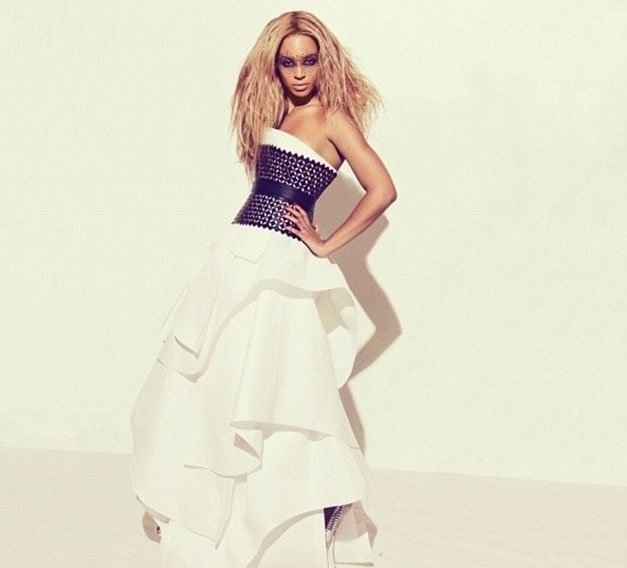 <b>Beyonce's Fierce New...</b>