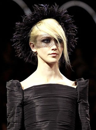 <b>Chanel's Couture Bea...</b>