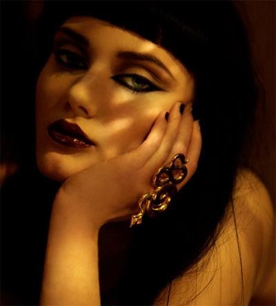 <b>Viper in Vogue...</b>