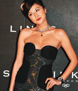 Noriko Fujiwara credits Vitacreme B12 for her glowing, wrinkle-free complexion