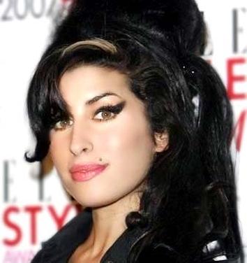 <b>Winehouse's Flat Get...</b>