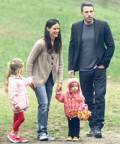 Jennifer Garner and Ben Affleck with their two girls