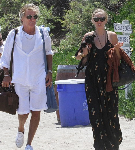 Kimberley Stewart spending time with her father, Rod, during her pregnancy