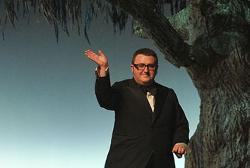 <b>Alber Elbaz in Inter...</b>