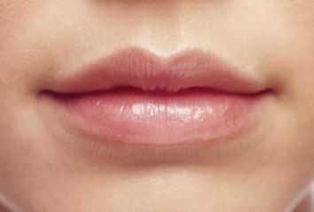 <b>Tuesday's Top Lip ...</b>