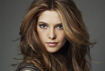 <b>Ashley Greene For DK...</b>